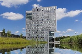 2013 Nieuw pand en datacenter